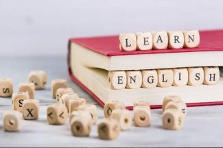 Banco Santander lanza 1,000 becas para potenciar el inglés profesional