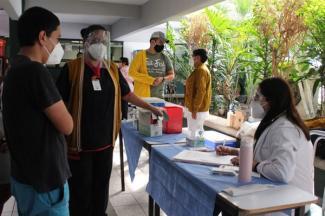 Realizan UTP e ISSSTEP campaña de vacunación contra enfermedades respiratorias y hepáticas