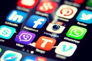 Deseable, legislar las redes sociales, señala académico del ITESM