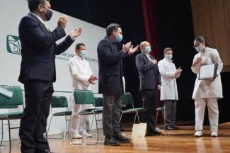 Se consolida el IMSS como la principal escuela de medicina en México