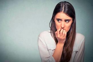 Reportan ansiedad y depresión por falta de contacto físico por aislamiento: Línea de ayuda UVM