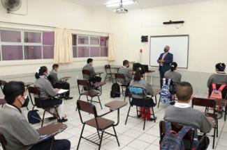 Asistencia escalonada y alternada aumentó del 63 al 75 por ciento de alumnos: SEP